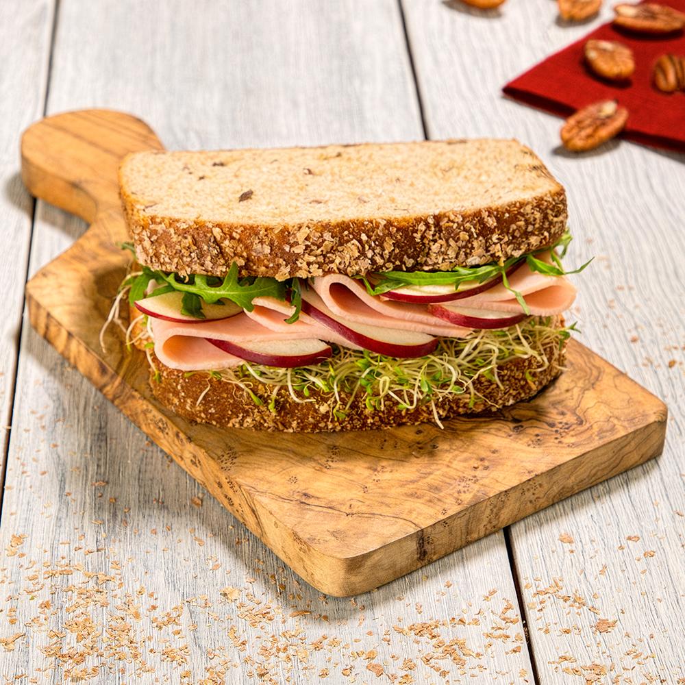 Sándwich de jamón y manzana